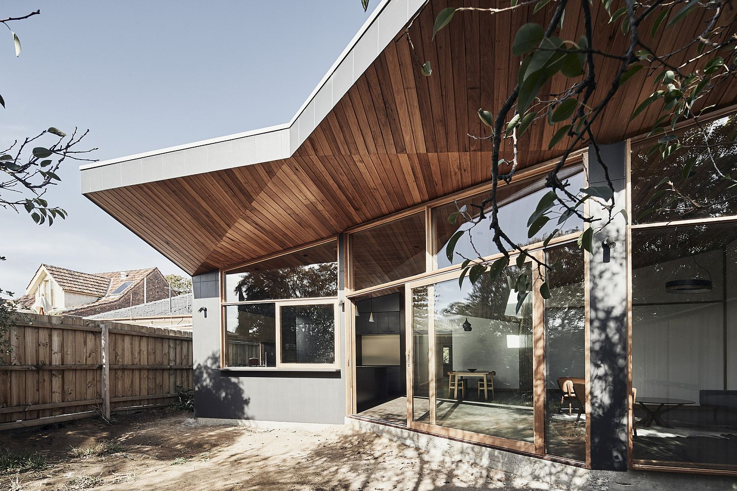 Sculptural design of the ceiling gives the rear facade a unique look