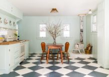 Shabby-chic-kitchen-of-New-York-home-with-a-bit-of-vintage-charm-217x155