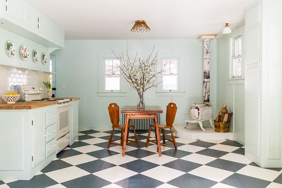 Shabby-chic-kitchen-of-New-York-home-with-a-bit-of-vintage-charm