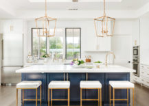 Sparkling-modern-kitchen-with-symmetry-and-style-217x155