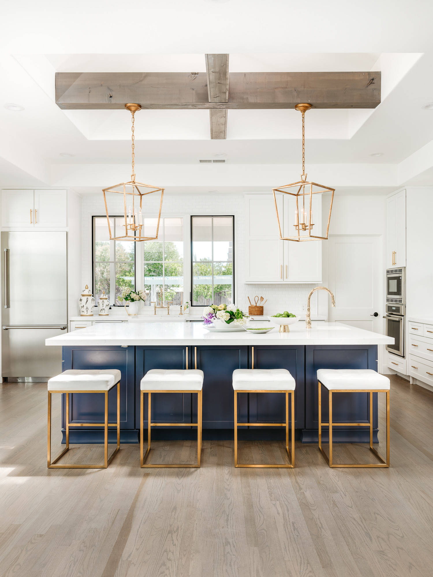 Sparkling modern kitchen with symmetry and style