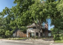 Street-facade-of-the-Hewn-House-in-Austin-217x155
