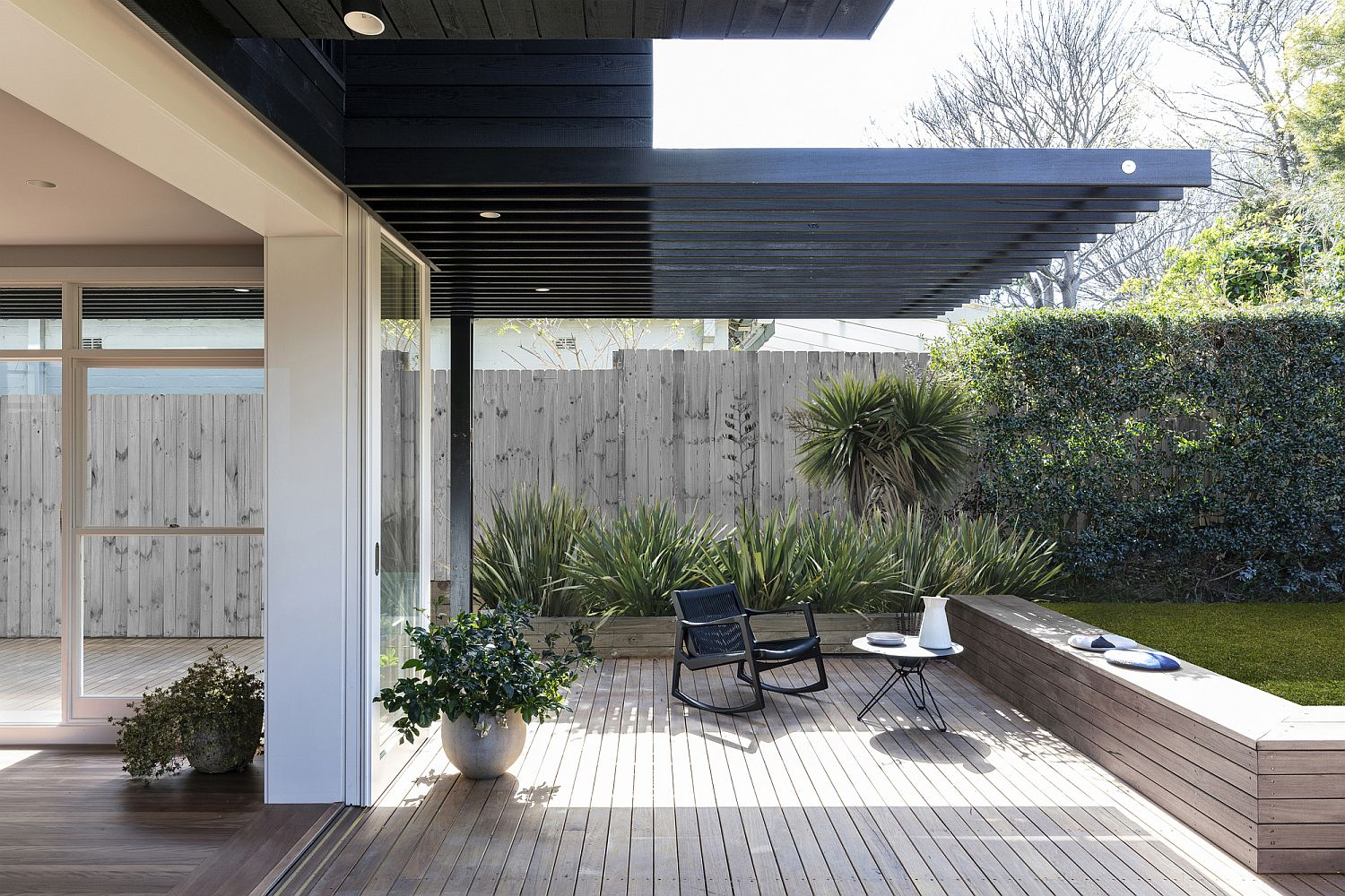 Upper-level-extension-offers-natural-shade-to-those-on-the-deck-below