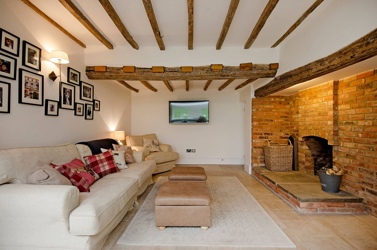 Use the wooden ceiling beams as smart decorative features