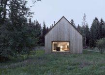 Vernacular-design-meets-modern-comfort-at-this-relaxing-Austrian-house-217x155