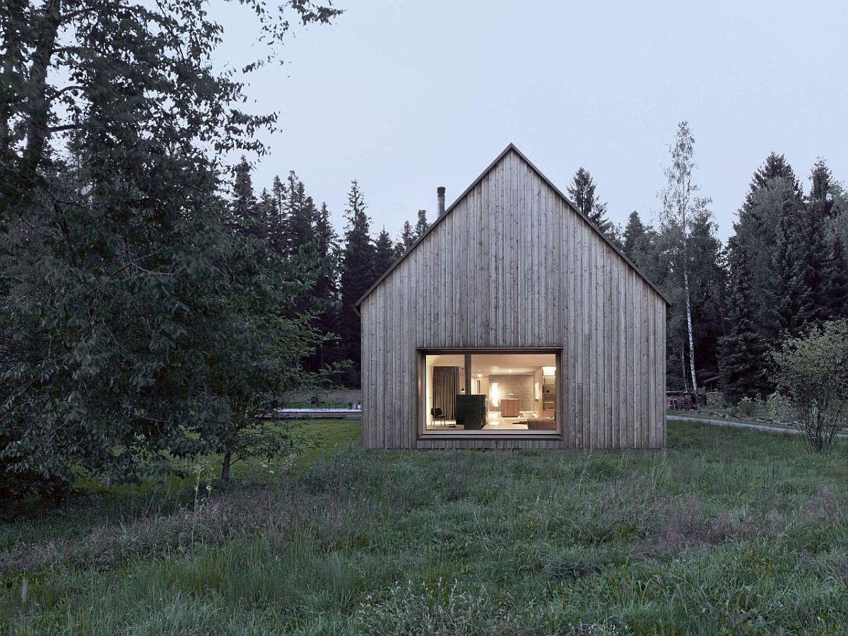 Vernacular-design-meets-modern-comfort-at-this-relaxing-Austrian-house