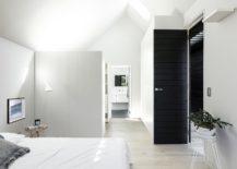 fabulous-bedroom-in-white-with-a-black-door-217x155