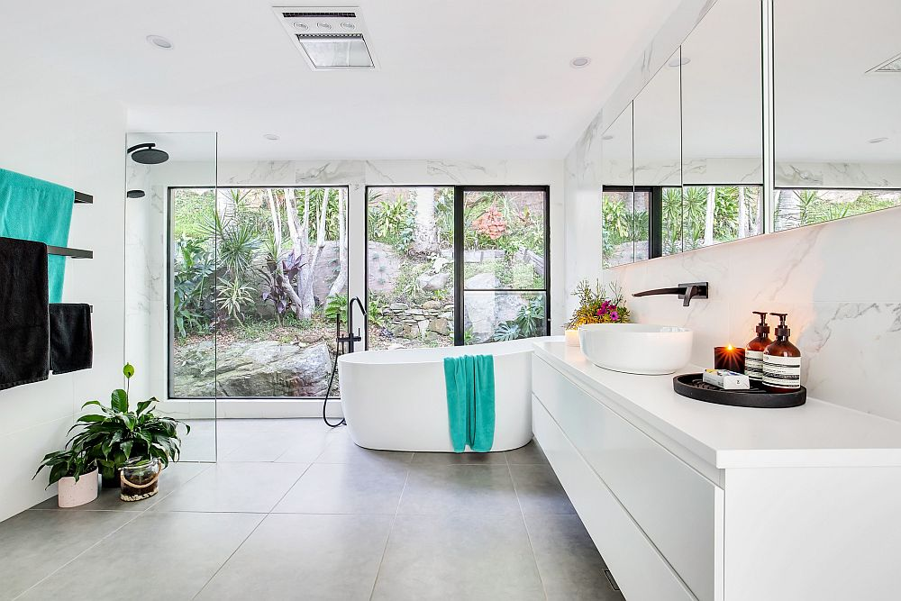 All-white bathroom brings spa luxury home while allowing you to switch between accent hues