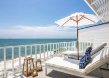 Awesome-beach-style-balcony-brings-sand-and-surf-indoors-217x155