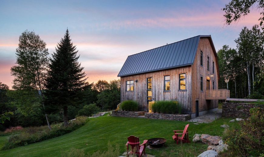 Amazing Makeover: 100-Year-Old Barn Turned into a Beautiful Modern Home in Quebec