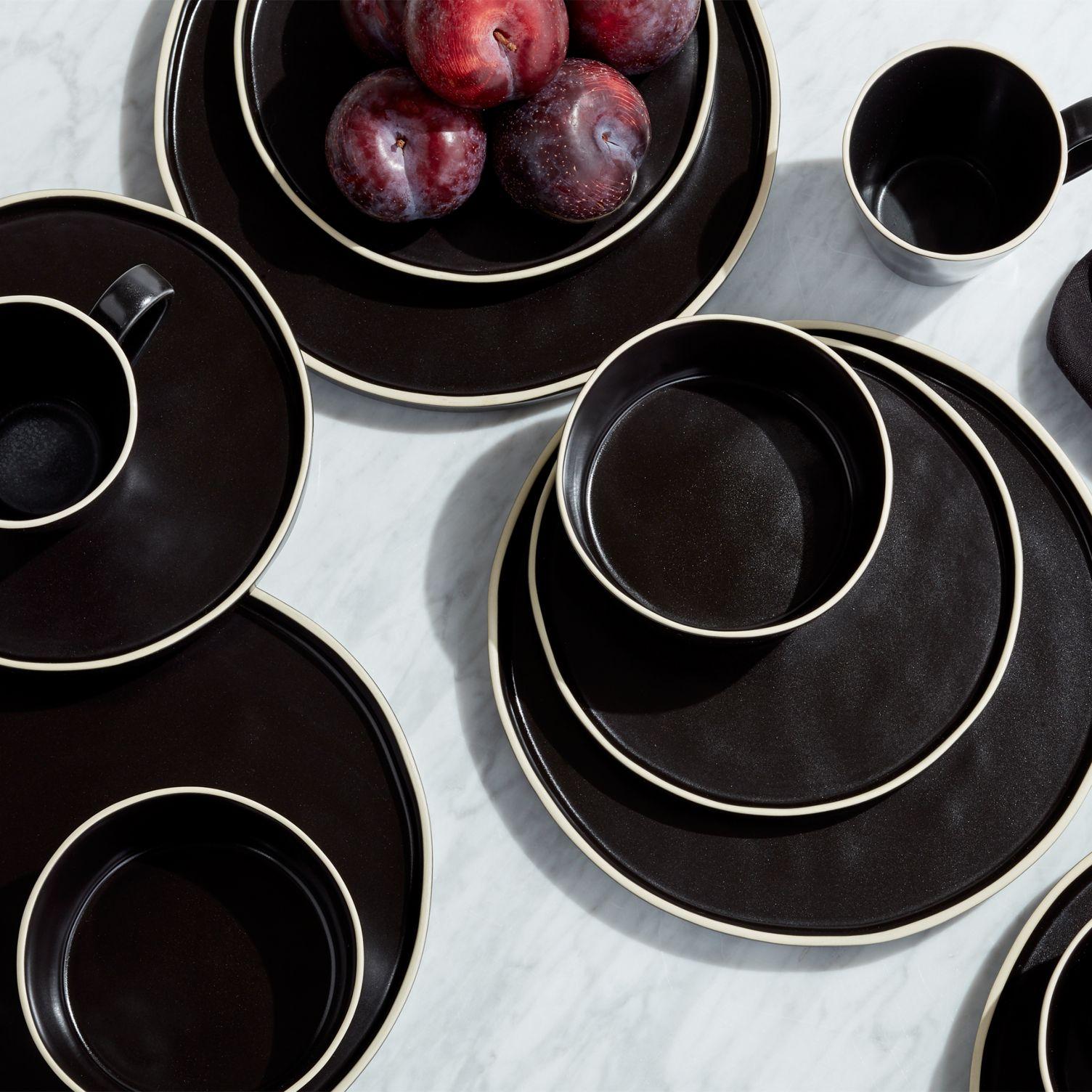 Black-glazed-stoneware-dinnerware