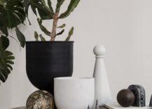 Black-hourglass-pot-217x155