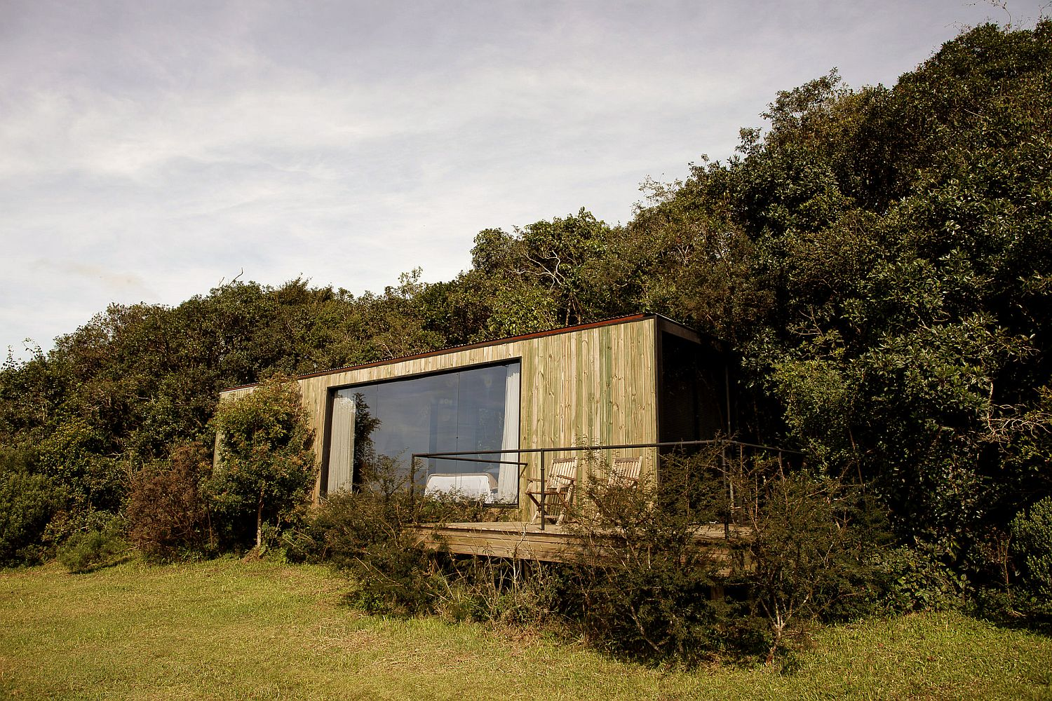 Bosque-Refuge-in-Brazil-surrounded-by-greenery