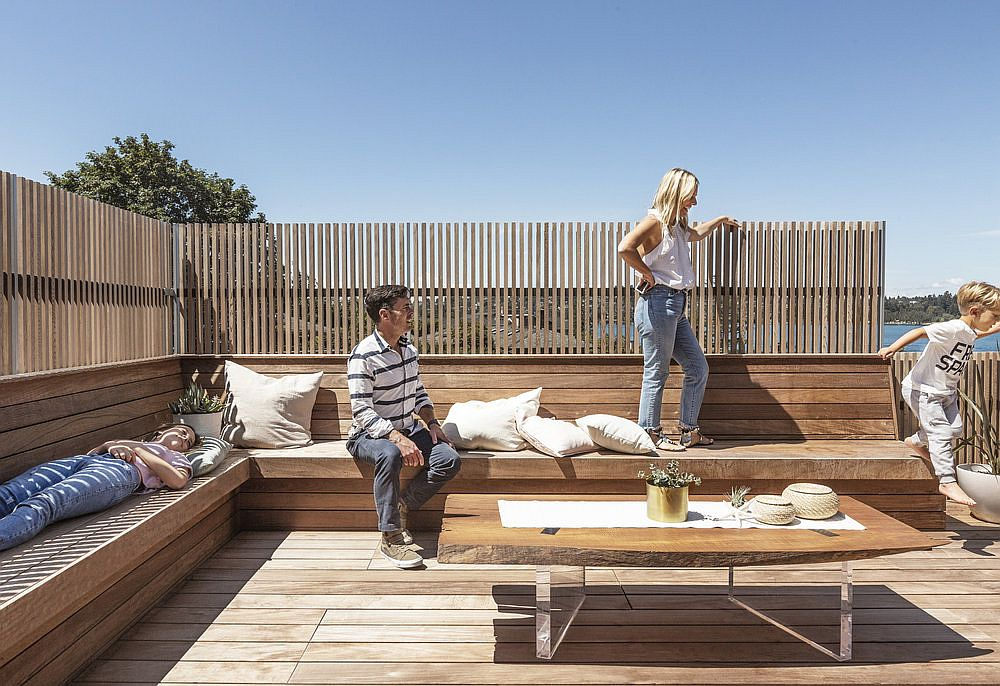 Cedar-slat-walls-for-the-private-deck-in-wood