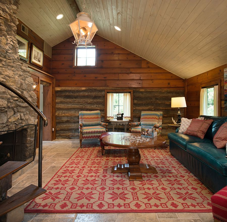Cozy and small rustic cabin style living room