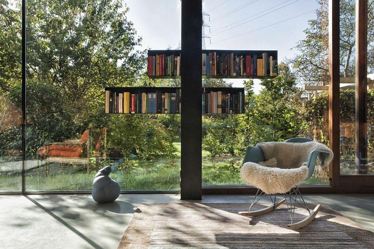 Innovative-bookshelves-add-color-to-the-minimal-modern-living-area