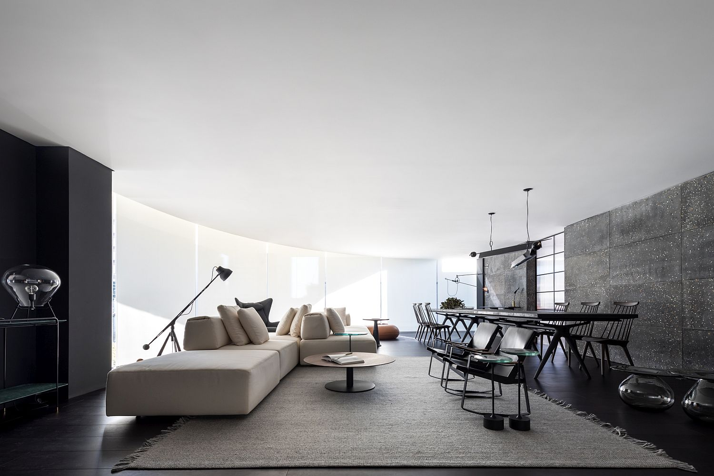 Living room of Simmetria Space designed by Belotto Scopel Tanaka Arquitetura