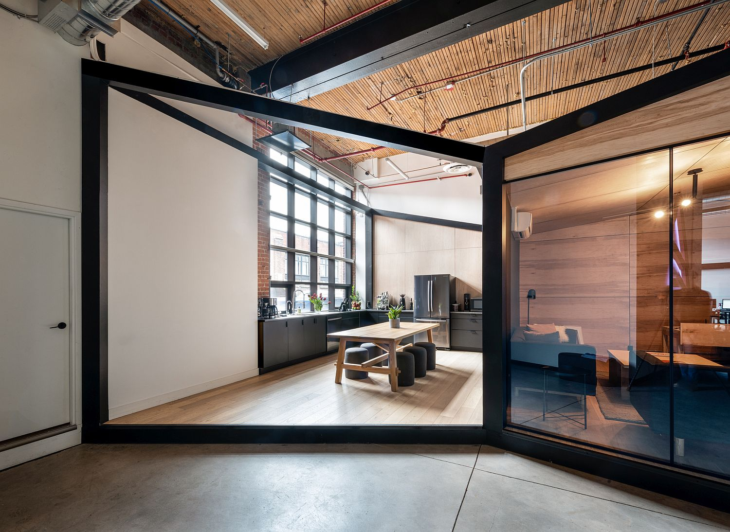 Look at the ARTJAIL Office in Toronto