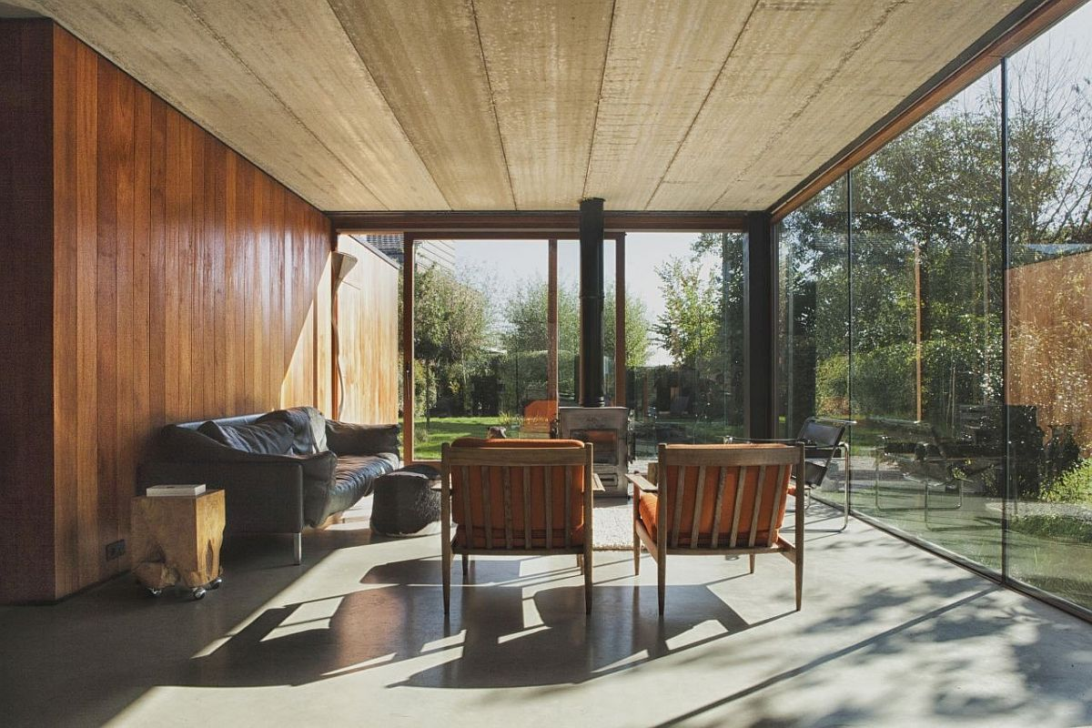 Lower-level-living-area-of-the-House-GePo-with-a-view-of-the-small-lake