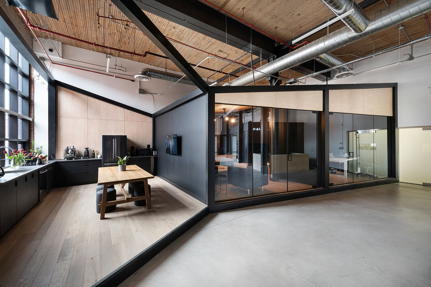 Office of creative visual effects studio in Toronto that feels fresh and innovative