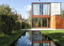 Reflective-pool-and-garden-around-the-house-add-to-its-relaxing-appeal-217x155