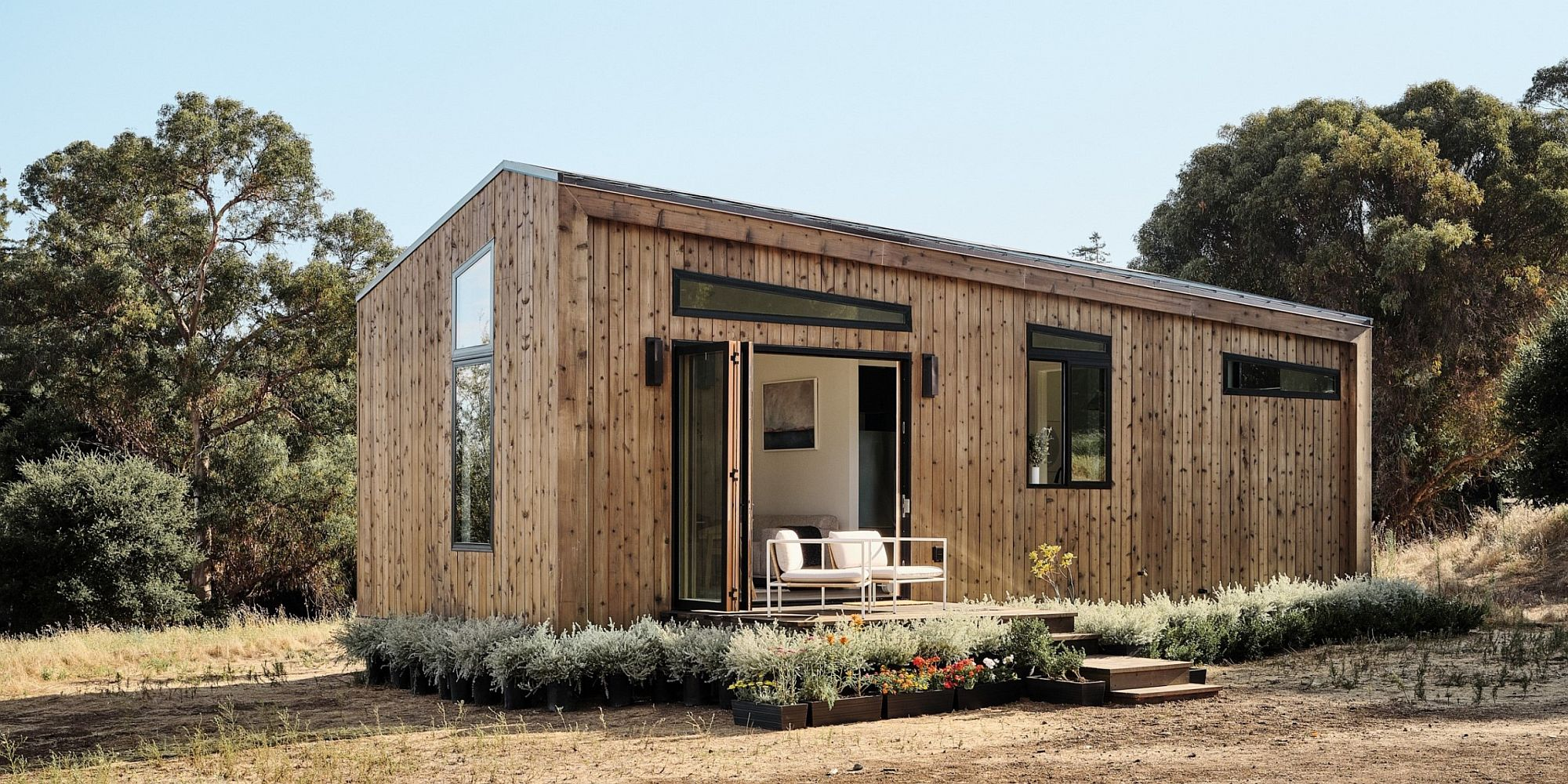 Simple-and-elegant-tiny-house-design-that-saves-space-and-budget