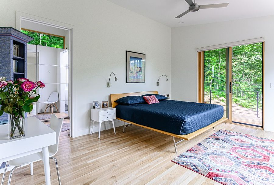 Simple-and-minimal-bed-frame-is-also-a-great-choice-for-the-small-bedroom