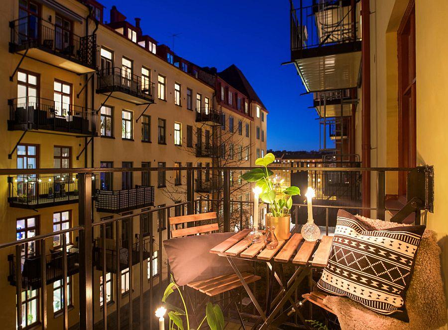 Transform-the-tiny-balcony-into-a-romantic-escape