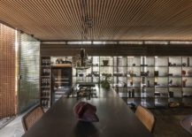 Wooden-framework-all-around-gives-the-interior-a-cozy-and-creative-appeal-217x155