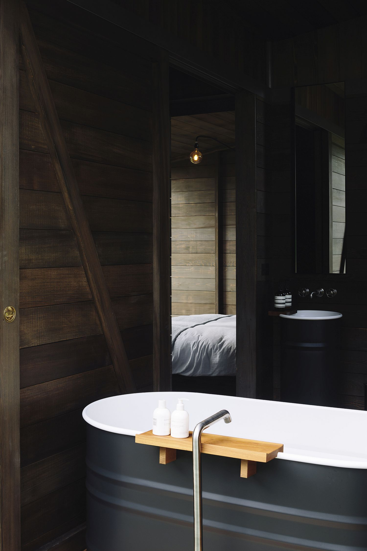 Smart bathtub offers a cool relaxation spot inside the cabin