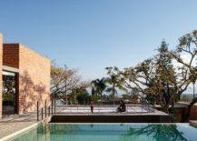 Spacious-and-stunning-deck-of-Casa-Linda-Vista-217x155