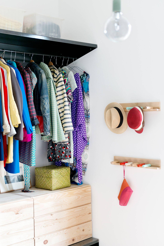 Corner closet idea with minimal modern design