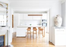 Delightful-white-and-wood-modern-kitchen-inside-smart-Paris-apartment-217x155