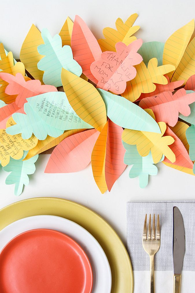 Easy last-minute Thanksgiving DIY idea with craft paper