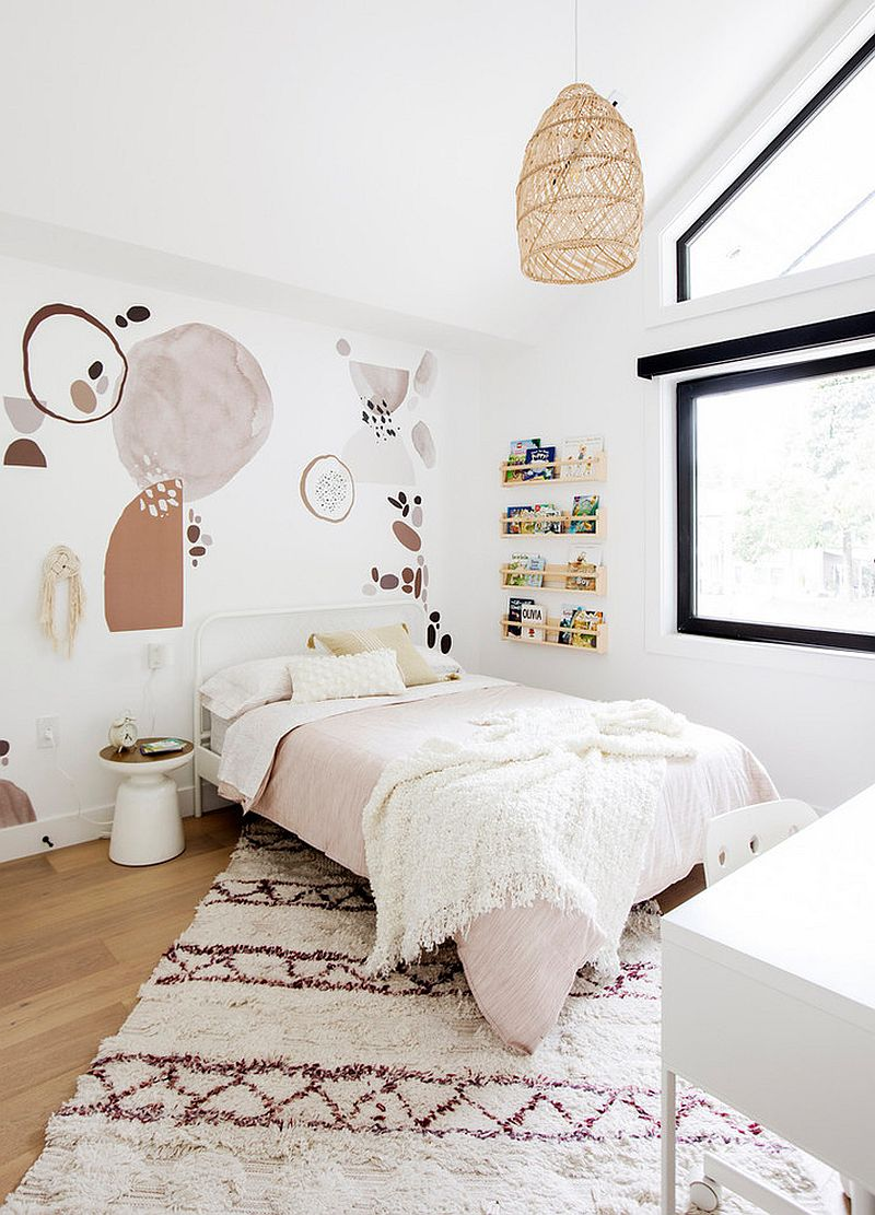 Finding the right theme for the kids' bedroom that is adaptable