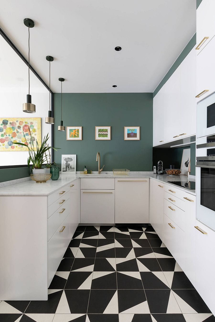Geometric-charm-color-and-metallic-dazzle-add-to-the-appeal-of-the-small-white-kitchen