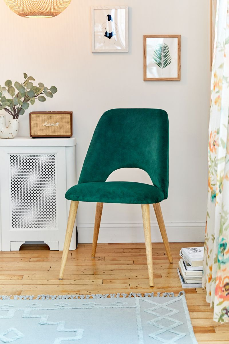 Green dining chair with wooden legs