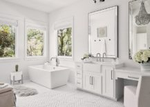 Monocromatic-bathroom-in-white-with-mirrored-finishes-and-smart-lighting-217x155