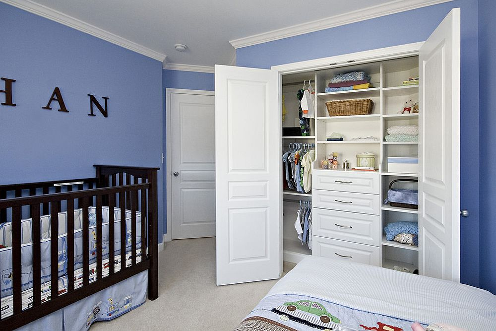 Turning-the-small-closet-into-smart-and-organized-space-in-the-nursery
