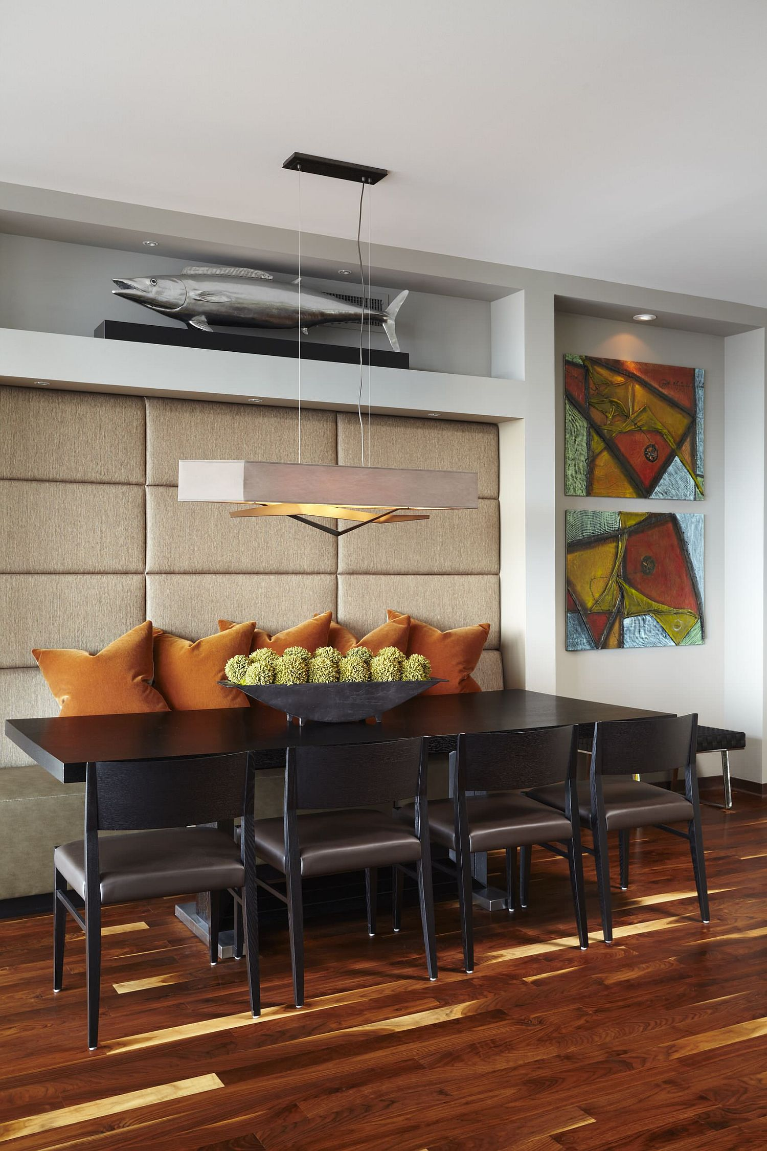 Abstract wall art for the contemporary dining room