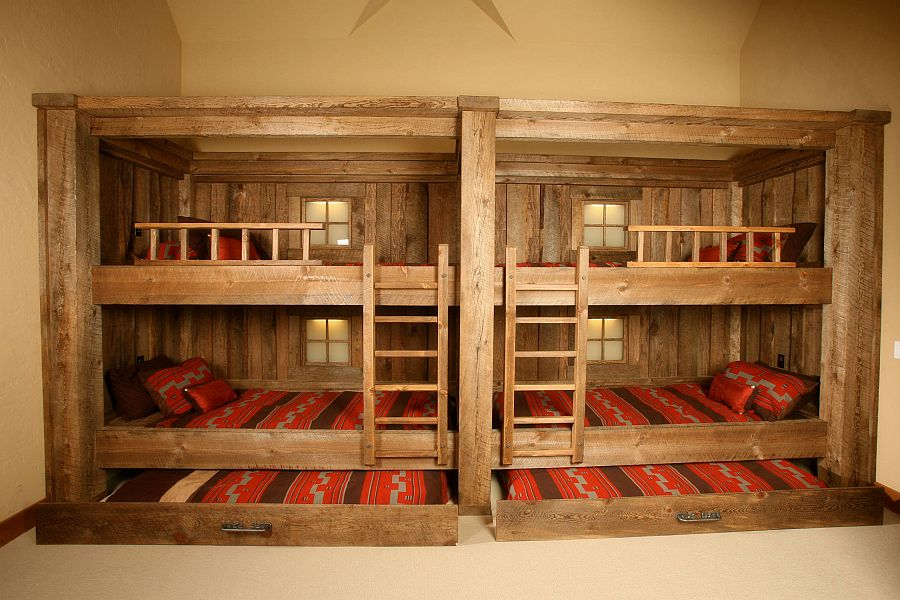 Bunk-and-trundle-beds-rolled-into-one-in-the-kids-bedroom