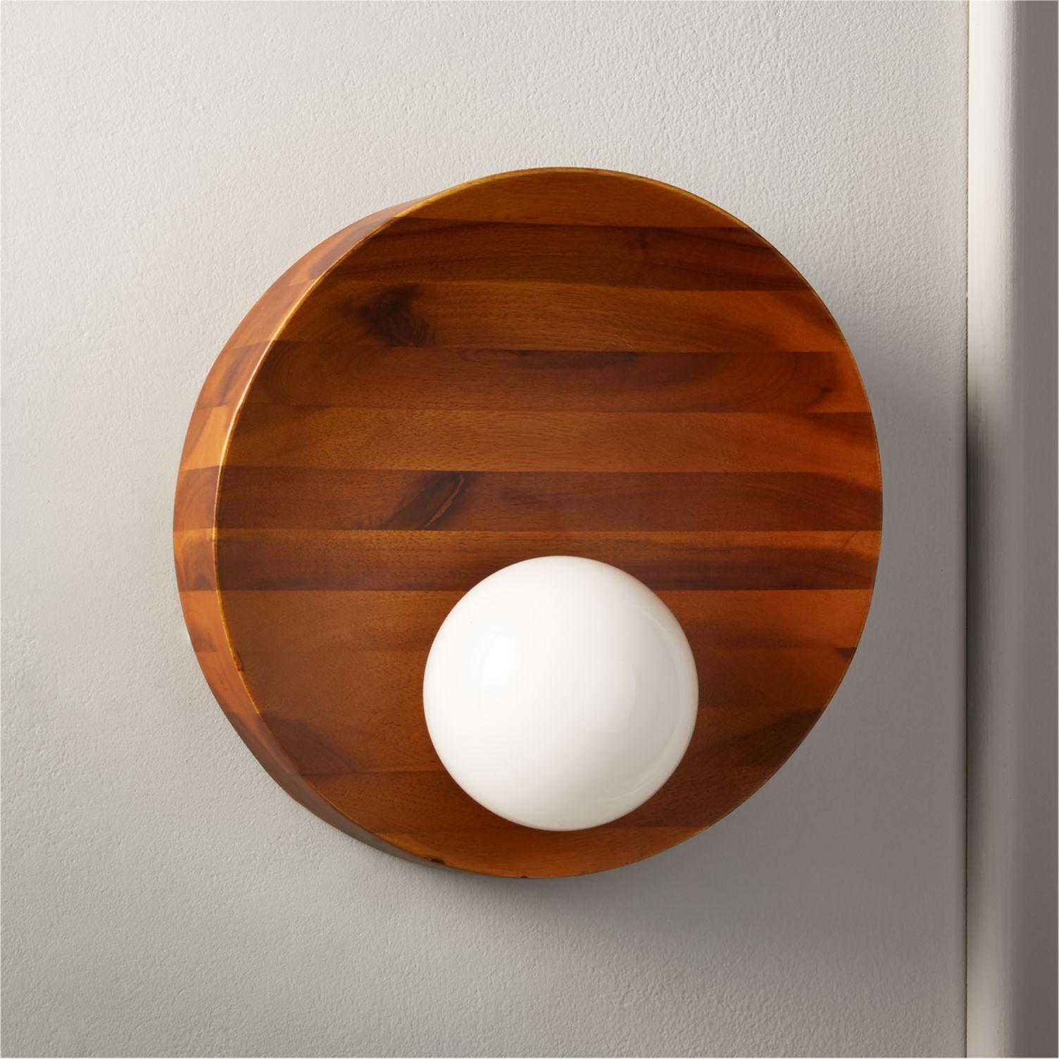Circular-acacia-wood-sconce