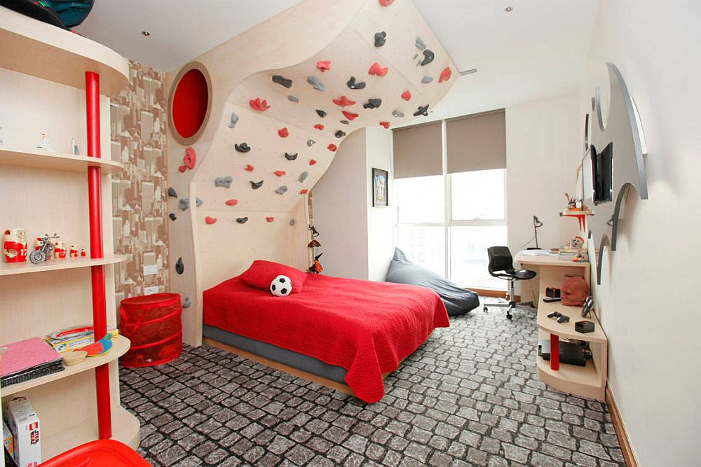Climbing curved wall adds a different challenge in the kids' bedroom!