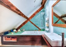 Colorful-and-unique-small-rustic-bathroom-with-smart-design-and-exposed-wooden-beams-217x155