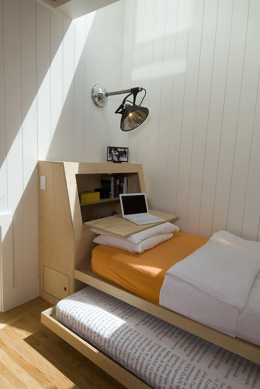 Combining-the-home-workspace-and-guest-room-using-a-cool-trundle-bed