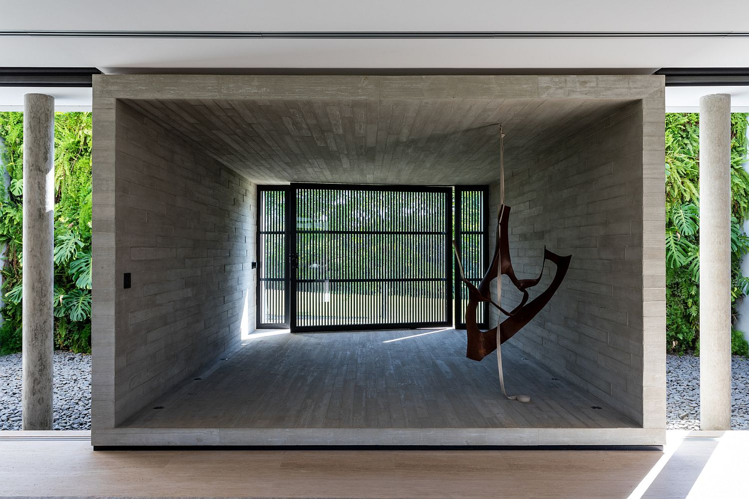 Concrete-box-styled-structures-shape-the-interior-of-the-modern-house