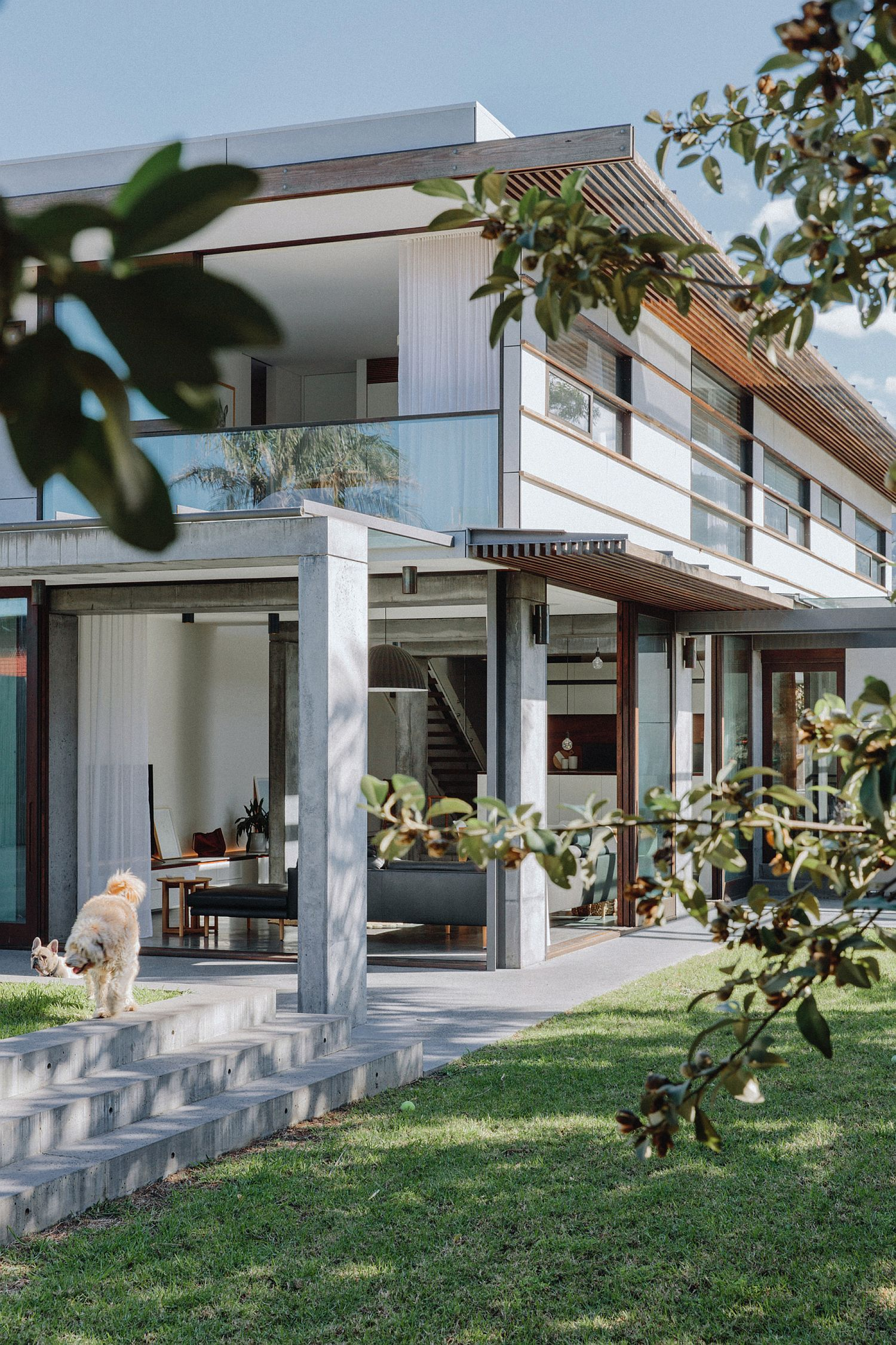 Concrete Timber And Metal Home Down Under Wows With