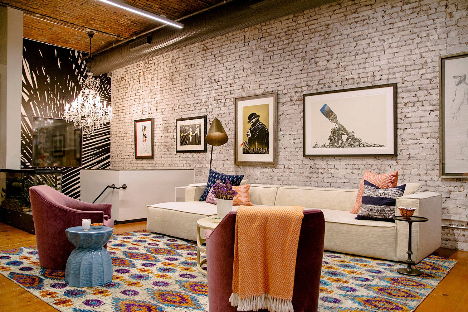 Creating the right lighting for the modern eclectic living room