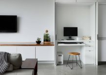 Maximizing-space-in-the-small-home-office-with-ergonomic-decor-217x155