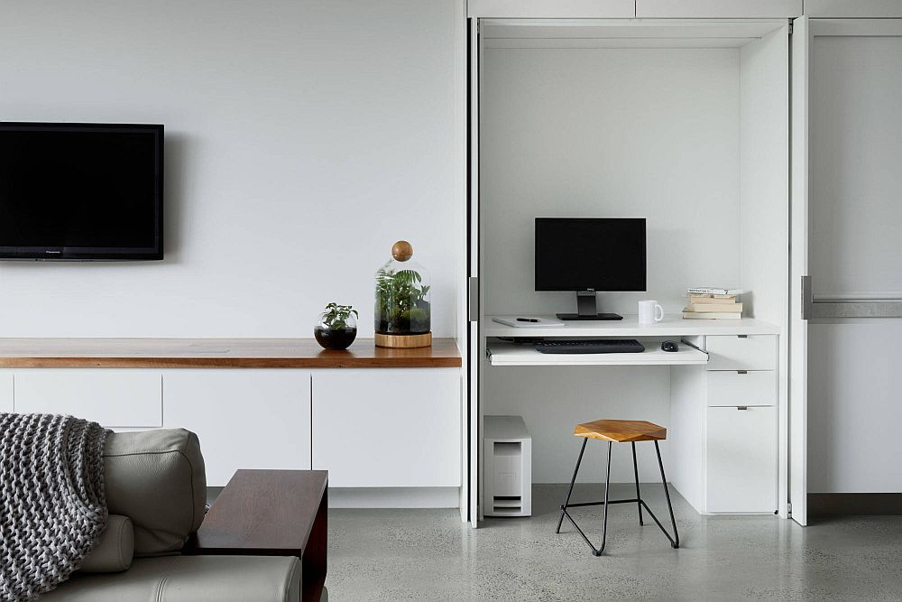 Maximizing space in the small home office with ergonomic decor